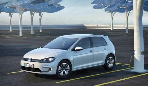 Auto elettriche: Volkswagen e-Golf 2017: a Los Angeles l'elettrica da 300 km