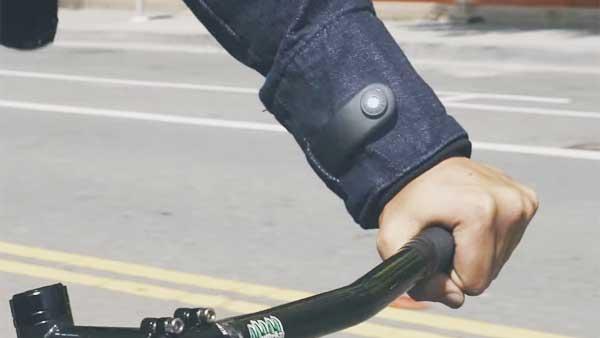 Google e Levis insieme per creare Commuter la giacca smart