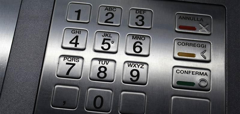 Il Piano Colao prevede una tassazione sui bancomat