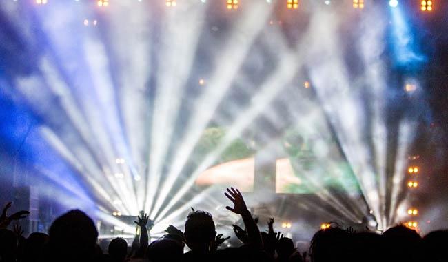 Rave party tecnologia ma anche alcol e droghe