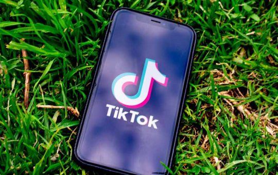 TikTok supera Facebook diventa la regina dei social